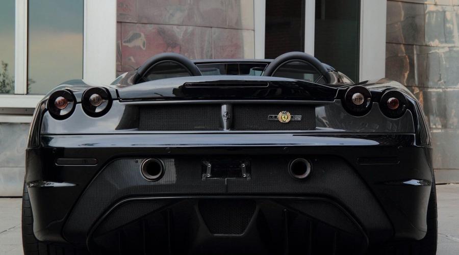 Black Ferrari F430 Spyder