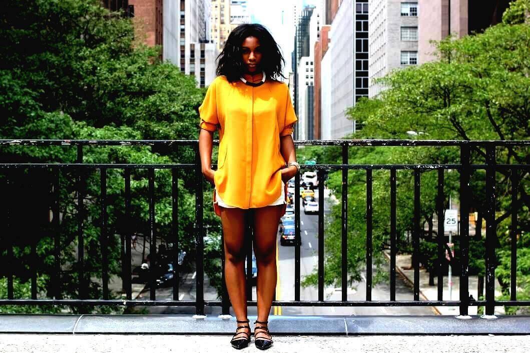 Fashion: Gold, Summer, And Short-Shorts